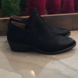 Worn once Lucky Brand booties